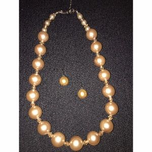 Jewelry - Champagne Color Pearl Necklace Set