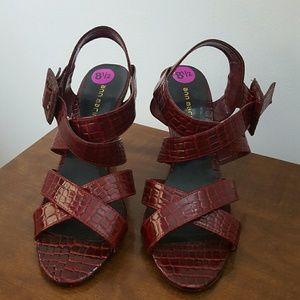 Ann Marino Shoes - Ann Marino red snake print slingbacks - size 8.5