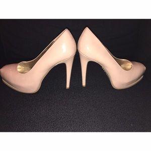 Simply Vera Vera Wang Shoes - Simply Vera Vera Wang Nude Heels Sz 8 1/2