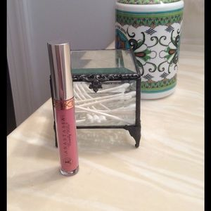Anastasia Beverly Hills Other - Anastasia Beverly Hill Liquid Lipstick in LOVELY