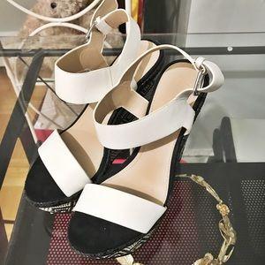 Zara black&white wedges