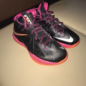 Nike Shoes - Very clean LeBron James 10