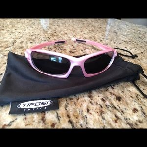 Tifosi Optics Other - Girls Tifosi Scout Metallic Pink Sunglasses