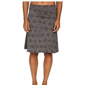 Horny Toad Dresses & Skirts - NWT Horny Toad Toad&Co Oblique Skirt -  small