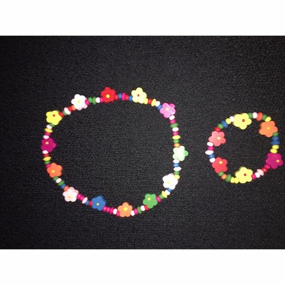 Other - Girls Wooden flower Necklace and Bracelet Set