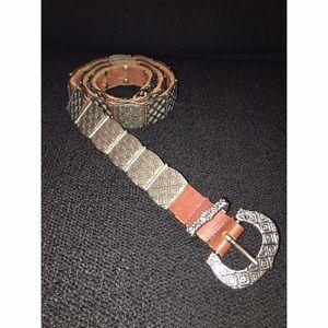🎉 Vintage Liz Claiborne Silver & Leather Belt 🎉