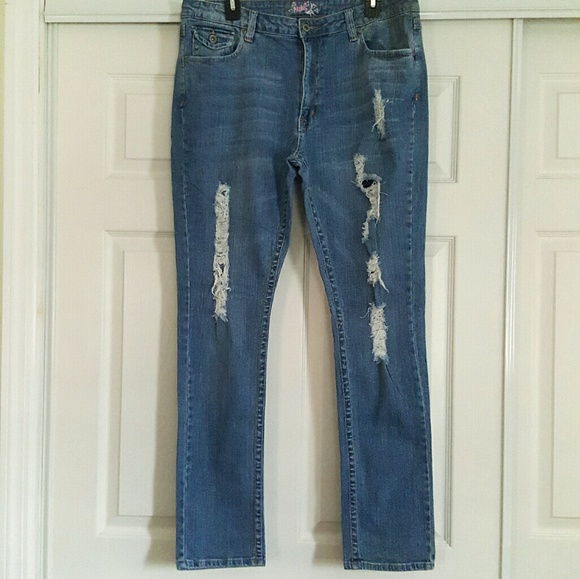 7b85ef2a222 Madrag Distressed Jeans Size 14