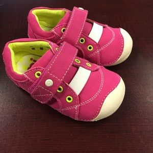 Umi Other - Umi girls Weelie canvas little baby girl shoes