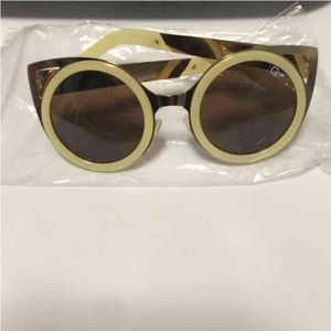 Quay let's dance sunglasses new!!