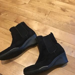 Aerology Shoes - Aerology Booties Size 8