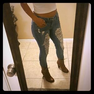 Highway Jeans Denim - Cute ripped light jeans.great condition