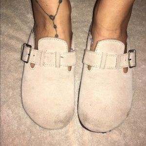 Airwalk Shoes - Beige clogs