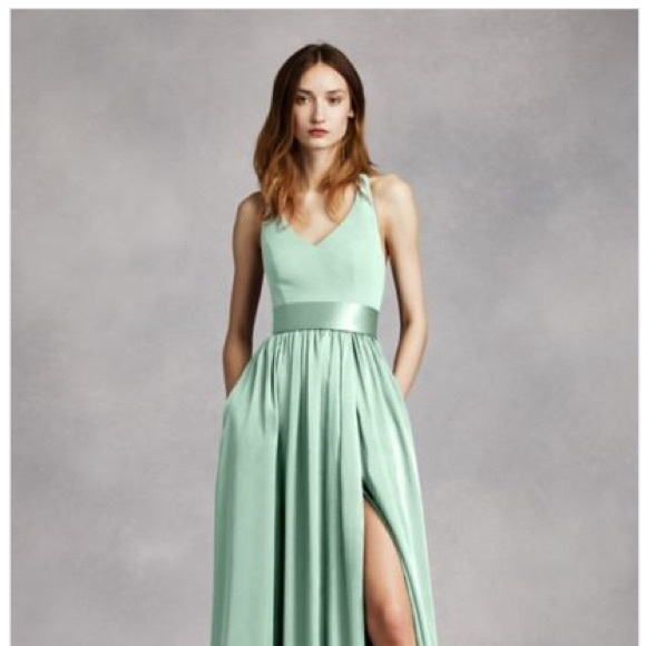 Vera Wang Dresses & Skirts - Vera Wang V Neck Halter Gown with Sash