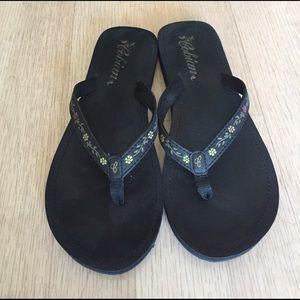 Cobian Shoes - Cobian black flip flop