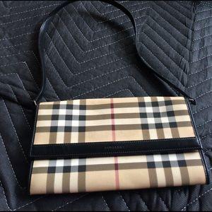 Burberry Handbags - Cute Burberry Purse!