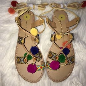 Chinese Laundry Shoes - New Chinese Laundry Pom Pom sandals
