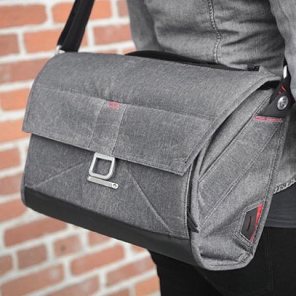f275c867b46c PEAK DESIGNS everyday messenger bag 13 charcoal