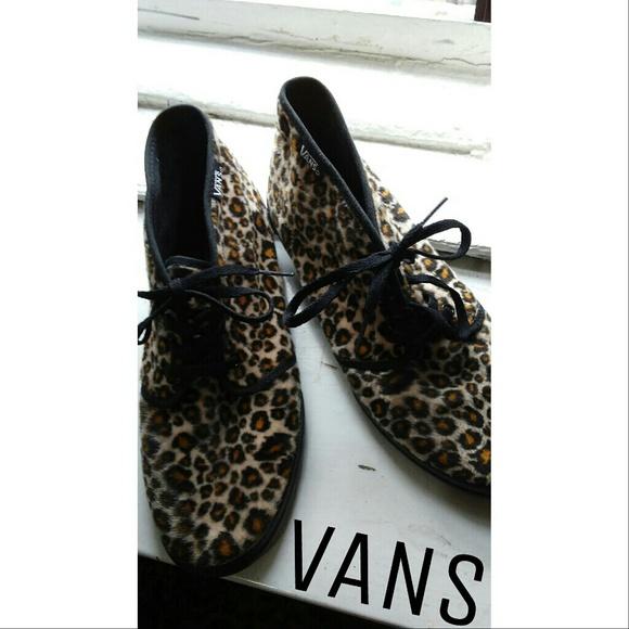 f1328fc1c131 Leopard print furry VANS sneakers size 8. M 58e7685f2fd0b7fe30019f1f