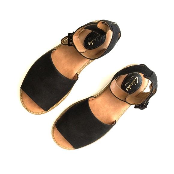 d14706f1cc0c Clarks Shoes - Clarks artisan Black tan nubuck Lydia Hala sandals