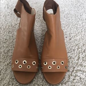 M. Gemi Shoes - Beautiful Italian leather tan booties by M.Gemi