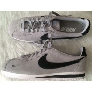 Nike Other - NIKE iD MENS CORTEZ SIZE 8.5 GREY BLACK SHOES
