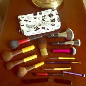 ELF Other - 14 Travel Sized Brushes + Bag