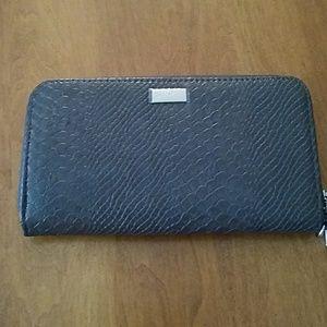 3x1 Handbags - 31 zip wristlet wallet