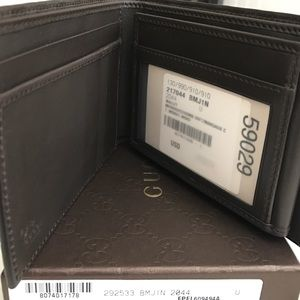 061692a60a3b Gucci Bags | Signature Wallet With Id Window Men | Poshmark