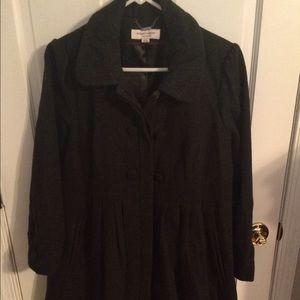 Liz Lange maternity coat in charcoal gray擄