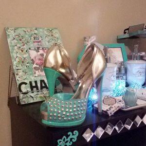 Breckelles Shoes - Tiffany color heels