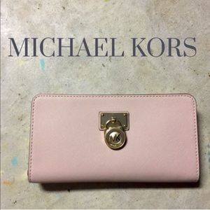 Michael Kors Handbags - NWT MK wallet