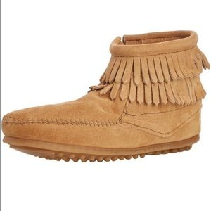 Minnetonka Other - Minnetonka Double Fringe Youth US 4 Ankle Boot