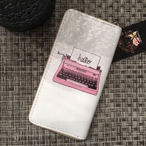 Handbags - ❣️PRICE DROP❣️Retro Wallet 🦄