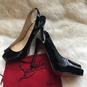 Luxury brand inspired peep toe black pumps sz 6