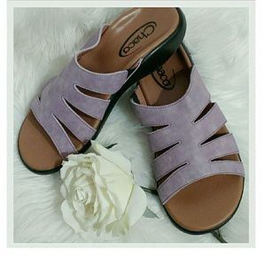 Chacos Shoes - Chaco's Lilac Leather Sandals