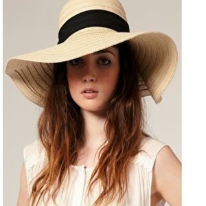 Haute Ellie Accessories - 🆕 Floppy Boho Sun Hat