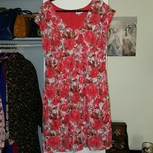 Avenue Dresses & Skirts - Avenue Floral Dress with Tie Belt