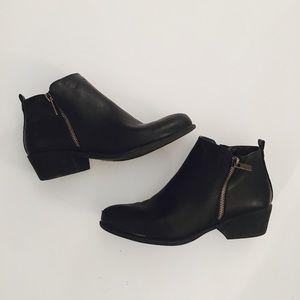 Black Double-Zipper Boutique Brand Booties
