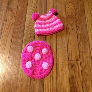 Mud Pie Other - Pink knit turtle infant photo hat and 'shell'