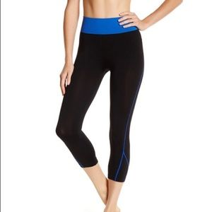 Electric Yoga Pants - Electric Yoga blue contrast stitch capri