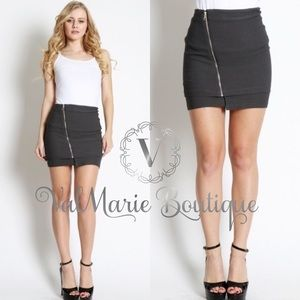 CHARCOAL DIAGONAL ZIPPER MINI SKIRT