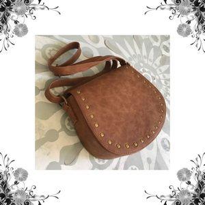 Handbags - ⬇️ Cognac Studded Saddle Cross Body
