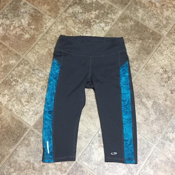 c95fb25b6d8fc1 Champion Pants   Duo Dry Capri Athletic Xs Nwot   Poshmark
