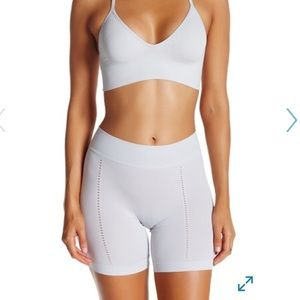 SALE SPANX Mid-Thigh Short - crystal gray