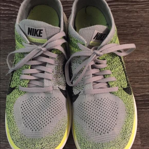 the best attitude a5d1e b3779 Men s Nike Free 4.0 Flyknit Gray   Green Sneakers.  M 58de4960bf6df5b3fe000573