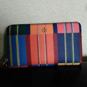 Tory Burch Handbags - NWT Tory Burch Kerrington smartphone wallet