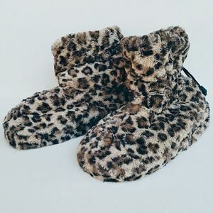 Shoes - Leopard Vibrating Massage Slippers