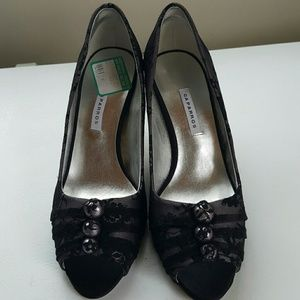 Caparros Shoes - Pretty peep toe heels NWT, size 8