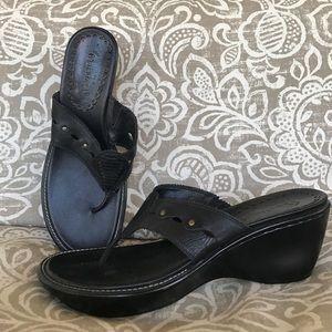 Bare Traps Shoes - Bare traps black leather flip-flops heels sandals
