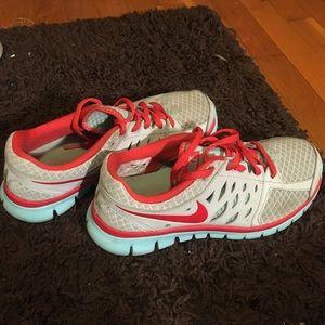 Nike Flex Run sneakers
